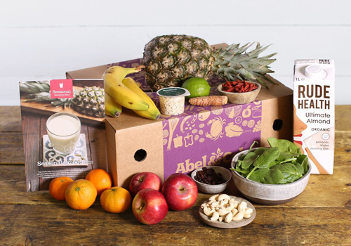 This seasonal smoothie recipe box by Abel & Cole is 100% organic.