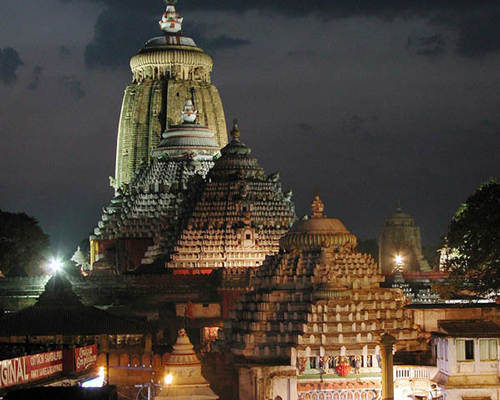 Jagannath temple in India is home to the largest kitchen in the world.
