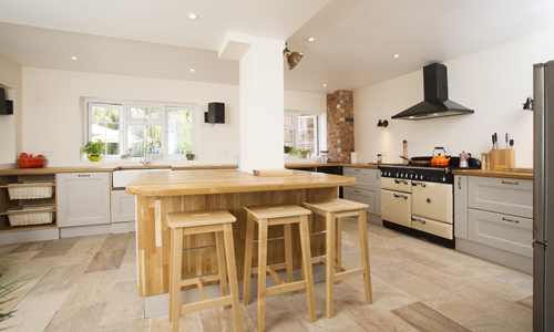 A customer who visited our Gloucestershire kitchen showroom created this kitchen.
