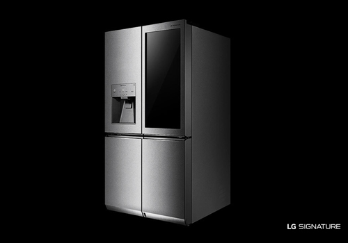 The LG SIGNATURE InstaView Door-in-Door™ Refrigerator uses smart technology to keep your food fresher for longer.