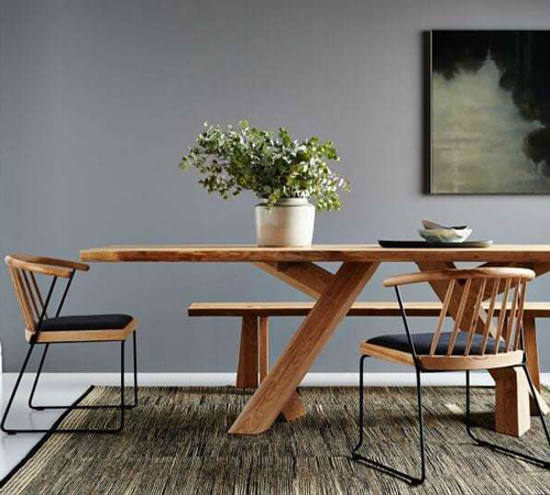 This Japanordic style dining table and chairs demonstrates Japanese and Scandinavian design principles.