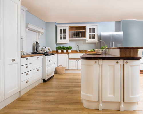 Kitchen islands offer L-shaped kitchens even more storage and worktop space.
