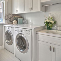 Matching the colour of white goods with cabinets and worktops creates a striking effect.