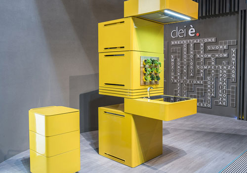 The Mini Modular Kitchen is compact and yet has ample functionality and practicality.