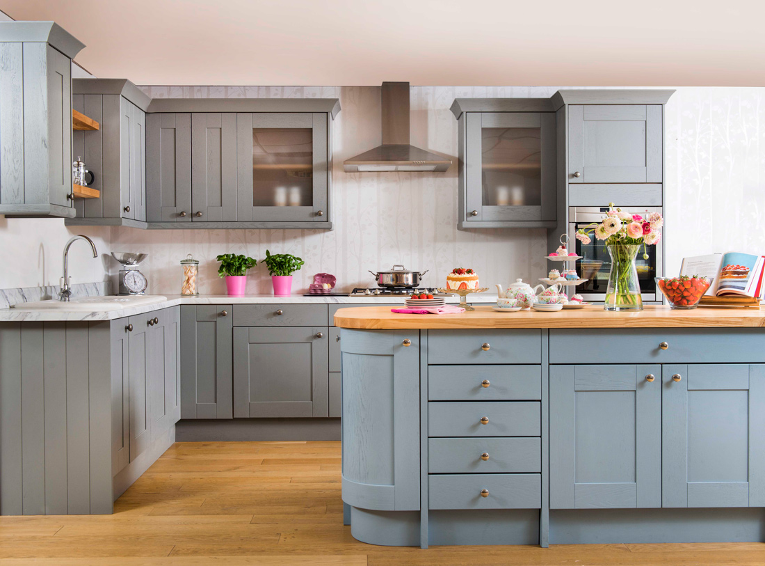 This solid wood kitchen demonstrates that you do not need £1,000,000 to have a beautifully crafted kitchen.