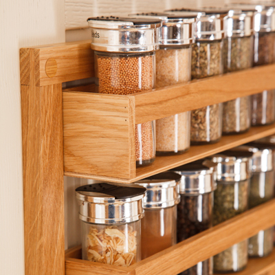This solid wood spice rack is the perfect gift for organising herbs and spices.