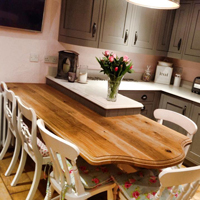 This dining table literally fits well into a traditional kitchen.