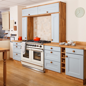 Use bridging units to frame your splashback, and create lots of additional storage space in your solid wood kitchen.