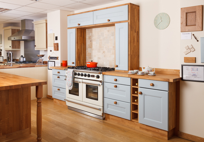 How To Make A Feature Of Your Oven In Solid Wood Kitchens