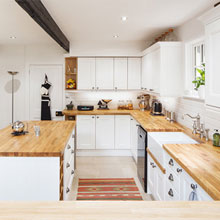 How to Select a Fitter for Your Solid Wood Kitchen