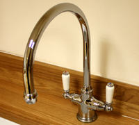 How to Choose Kitchen Taps for Solid Oak Kitchens