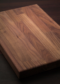 Our black American walnut solid wood chopping boards are incredibly smooth and luxurious.