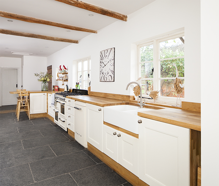 White Kitchen Units With Oak Worktop: A Timeless Look For Beautiful