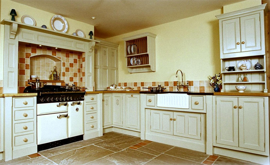 country style kitchen units how to create a country kitchen with solid oak kitchen 6228