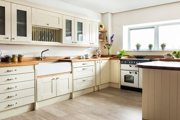 Guide To Ceramic Sinks For Solid Oak Kitchen Cabinets Solid Wood Kitchen Cabinets Information