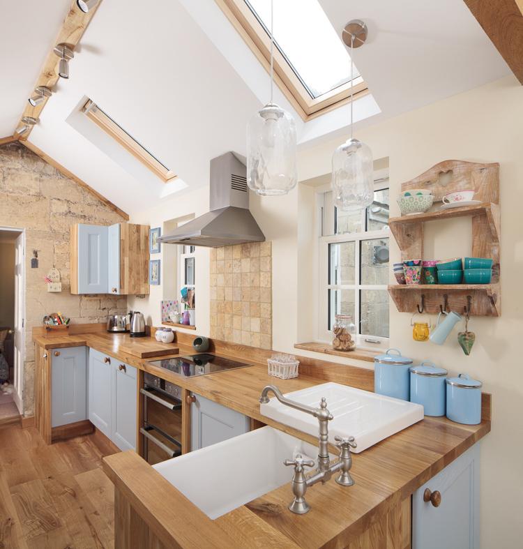 Wooden Kitchen Cabinets Uk: Kitchen Decorating Ideas For Solid Oak Kitchens