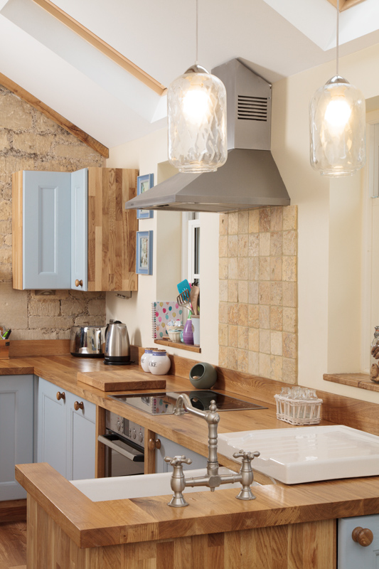 The Exposed Stonework In This Kitchen Combines Beautifully With Traditional Frontals Farrow Balls Lulworth