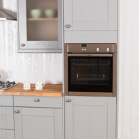 We offer a range of full height appliance cabinets to suit single ovens.