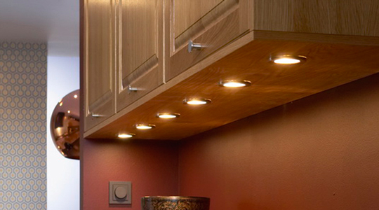 A Kitchen Lighting Guide for Solid Oak Kitchens - Solid Wood Kitchen on under bar lighting kitchen, best under cabinet lighting kitchen, lights under cabinet light kitchen,