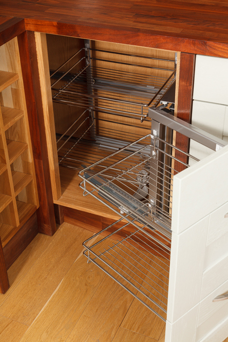 Wonderful wirework for solid oak kitchens solid wood - Magic corner cabinet ...