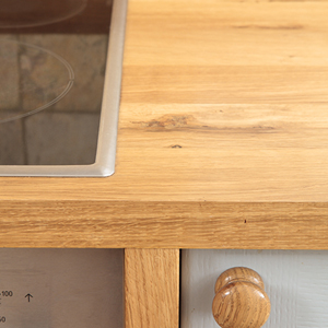 How to Maintain Wood Worktops in Oak Kitchens