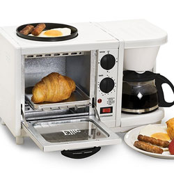 Cook your whole breakfast at once with this 3-in-1 breakfast station