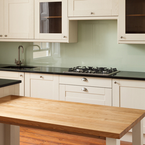 Channel modern style with contrasting kitchen worktops.