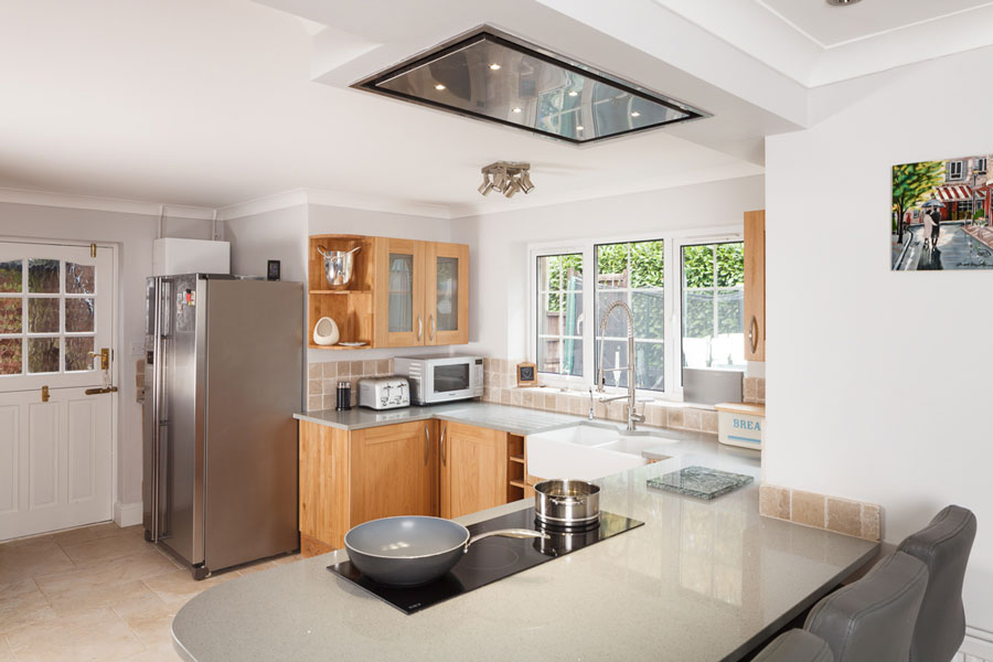 Creating A Transitional Kitchen With Solid Oak Cabinets Solid Wood