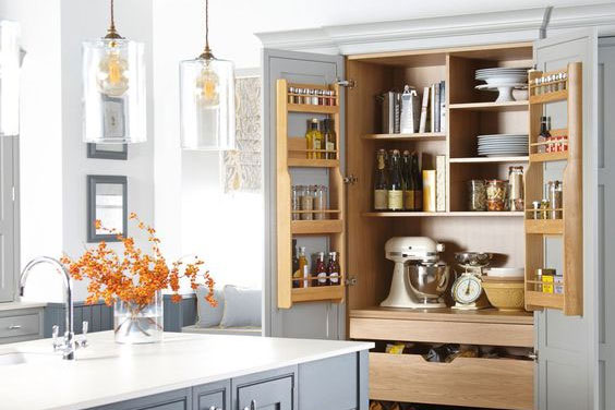 Using Tall Kitchen Cabinets To Maximise Storage Space