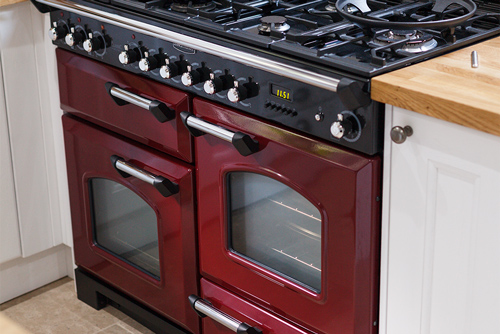 A range cooker is a fantastic way to create a country style in any kitchen.