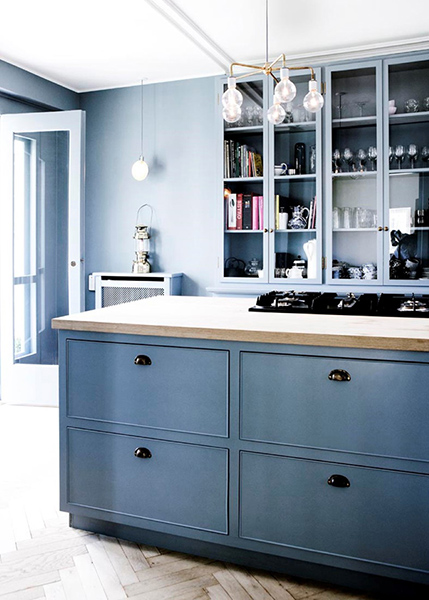 colours of the month beautiful bright shades for solid oak kitchen cabinets solid wood. Black Bedroom Furniture Sets. Home Design Ideas