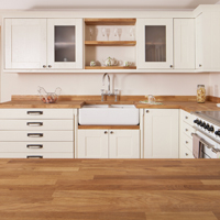 Solid oak kitchen with shaker doors