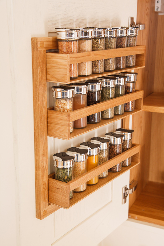 Solid wood kitchen cabinets blog for Oak kitchen larder units