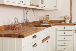 As well as being aesthetically pleasing, solid wood kitchen cabinets are also easier to repair than MDF alternatives.