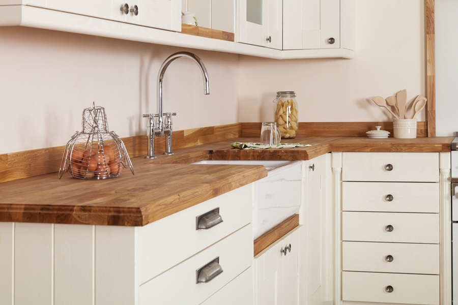 Solid wood kitchen cabinets information guides for Kitchen cabinets repair