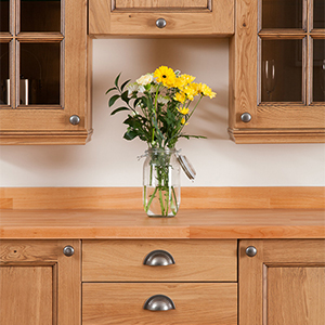 Savvy Storage Solutions for Oak Kitchens