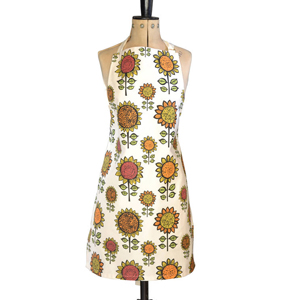 This sunflower apron is the perfect way to bring a touch of nature into your kitchen