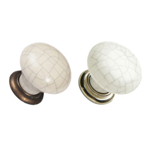 These traditionally designed Edison Knobs are the perfect contrast for a concrete, or concrete effect, worktop