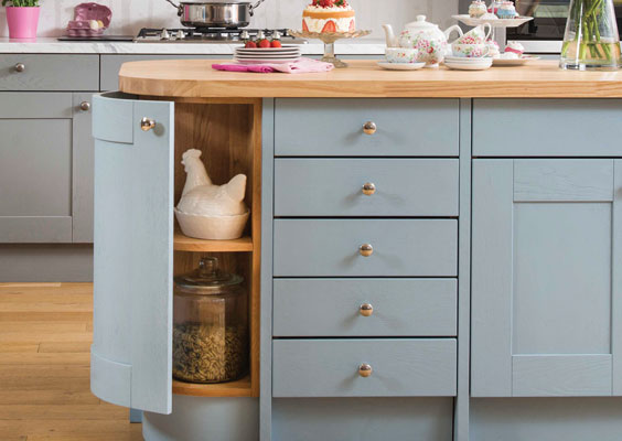 Our collection of kitchen cabinets incorporates a selection of styles and sizes