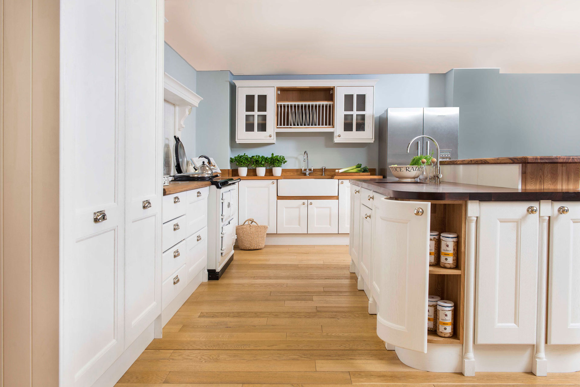 Pleasing Solid Wood Solid Oak Kitchen Cabinets From Solid Oak Home Interior And Landscaping Mentranervesignezvosmurscom